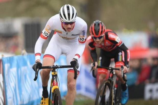 Toon Aerts vainqueur final de la Coupe du monde, van der Poel s'impose à Hoogerheide