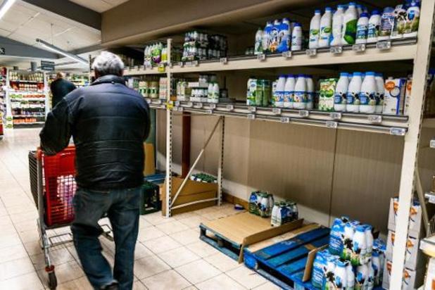 Les syndicats demandent plus de protection pour le personnel des magasins