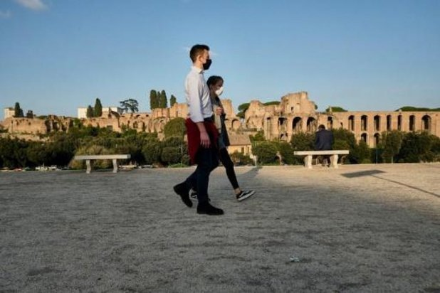 Italië zet hotels in om patiënten op te vangen