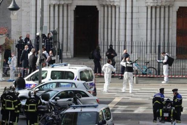 Attaque au couteau à Nice : au moins trois morts, le parquet anti-terroriste ouvre une enquête