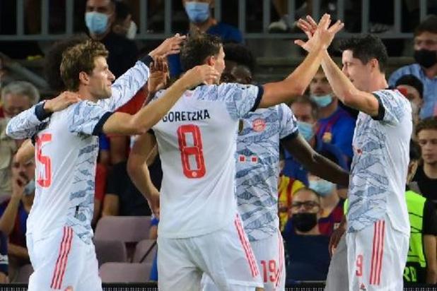 Champions League - Bayern München wint makkelijk topper op bezoek bij Barcelona