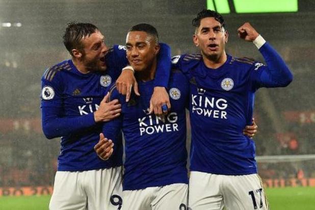 Jamie Vardy zet krabbel onder nieuwe overeenkomst bij Leicester City