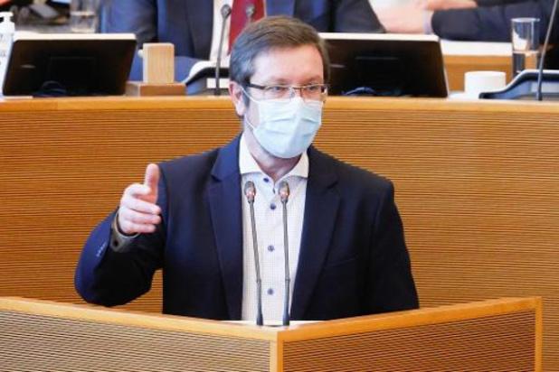 """Stratégie de vaccination wallonne: """"on reste dans le brouillard"""", regrette le cdH"""