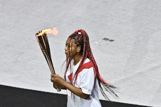 Naomi Osaka allume la vasque olympique