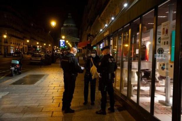 """Coronavirus - """"La fête est finie"""": début du couvre-feu pour presque 20 millions de Français"""
