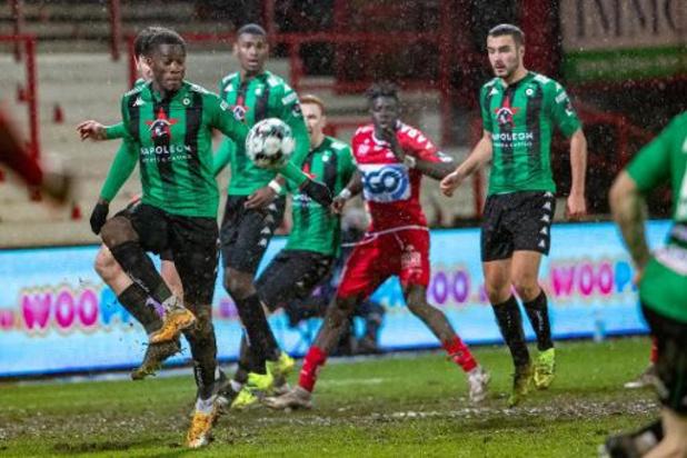 Jupiler Pro League - Cercle Brugge geeft rode lantaarn door aan Waasland-Beveren