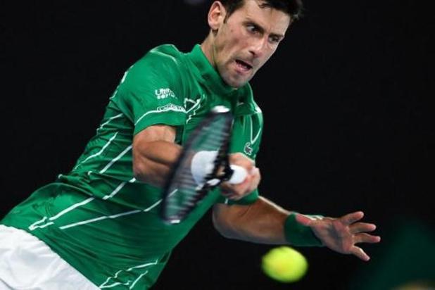 Djokovic gaat zonder setverlies naar de halve finales