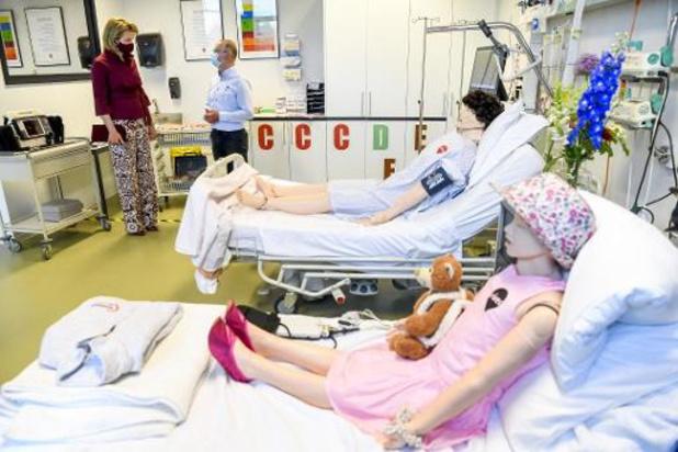 Afgelopen week bijna helft minder besmettingen, fors meer opnames in Nederland
