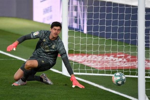 Thibaut Courtois remporte son 3e Trofeo Zamora du meilleur gardien en Espagne