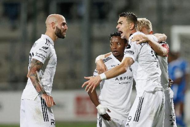 Jupiler Pro League - Tienkoppig Eupen komt mee aan de leiding na late winst tegen KRC Genk