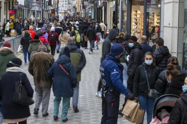 Consumenten kijken vol optimisme naar volgend jaar