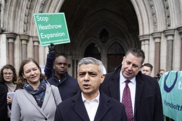 Rechter geeft activisten die vechten tegen uitbreiding luchthaven Heathrow gelijk