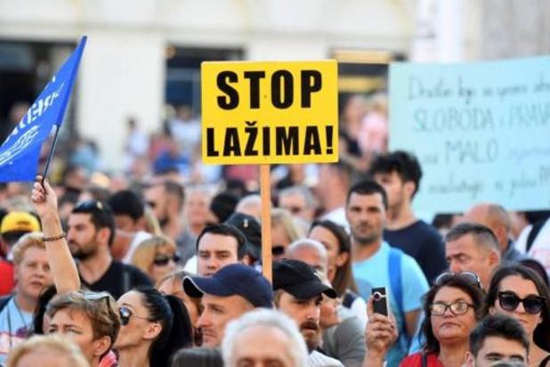 Des milliers de manifestants à Zagreb contre les restrictions anti-pandémie
