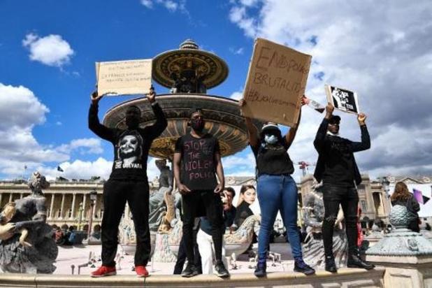 Rassemblement à Paris malgré l'interdiction des autorités