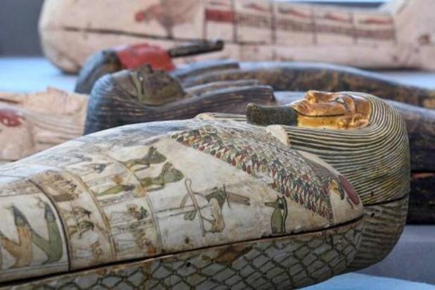 Archeologen vinden in Egypte ruim 100 sarcofagen