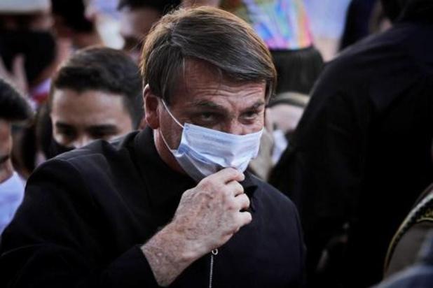 Bolsonaro dreigt ermee journalist op gezicht te slaan