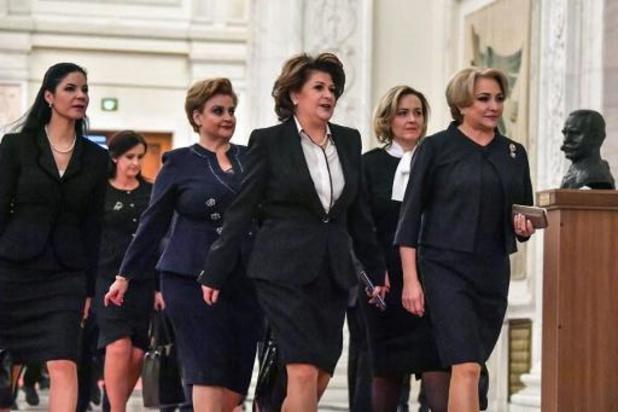 Les eurodéputés rejettent les candidats commissaires hongrois et roumain