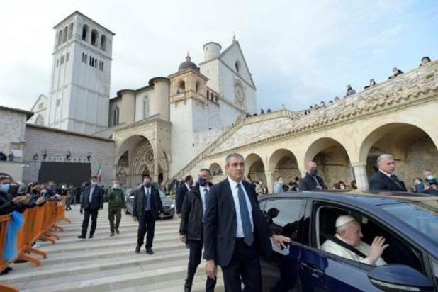 Le pape en sortie à Assise, premier pas hors de Rome en sept mois