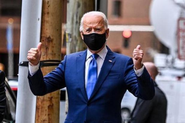Biden wil Amerikanen honderd dagen lang mondmasker laten dragen