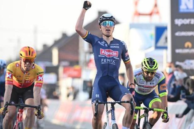 """Merlier boekt knappe sprintzege: """"Ik twijfelde niet en ging vol aan"""""""