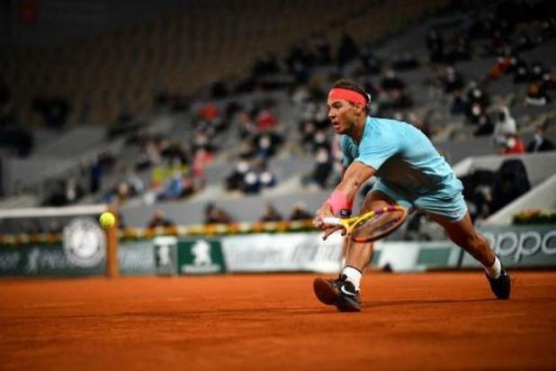 Nadal laat Djokovic kansloos en pakt dertiende eindzege Roland Garros
