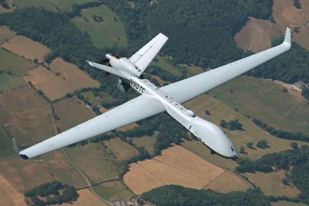 Des techniciens belges découvrent Outre-Manche le futur drone MQ-9B SkyGuardian