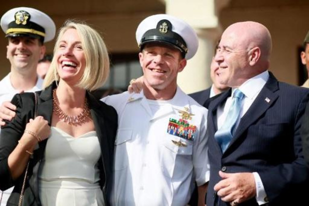 Amerikaanse marinechef moet opstappen van minister van Defensie
