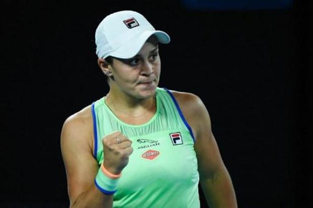 Ashleigh Barty se fait peur mais se hisse au 2e tour de l'Open d'Australie