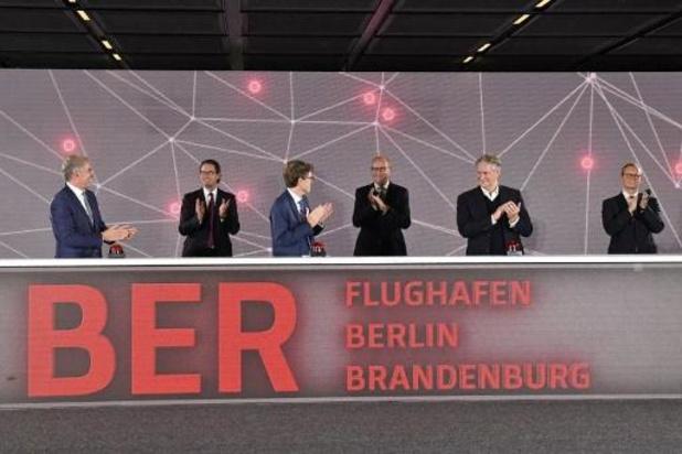 Eerste vliegtuigen geland op nieuwe luchthaven van Berlijn, met negen jaar vertraging