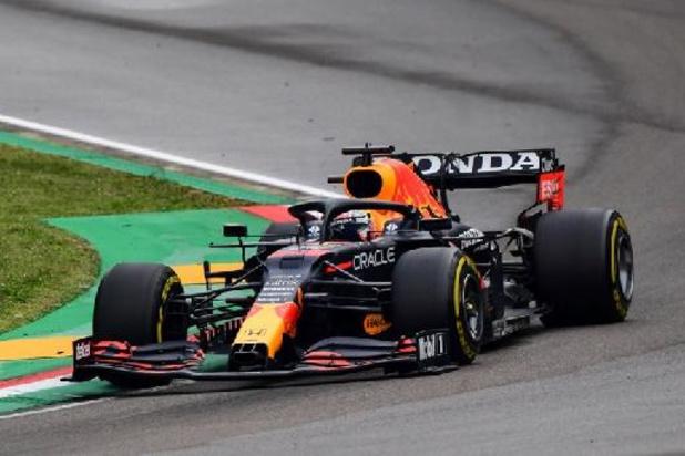 Verstappen wint spektakelstuk, Hamilton eindigt na stuurfout nog als 2e