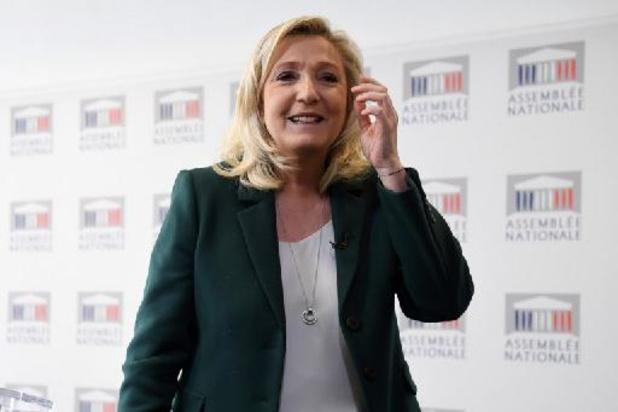 Marine Le Pen verzaakt aan voorzitterschap van haar partij met het oog op de verkiezingen