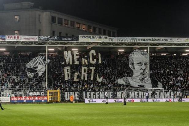 En hommage à Georget Bertoncello, Charleroi domine Ostende qui perd son entraîneur