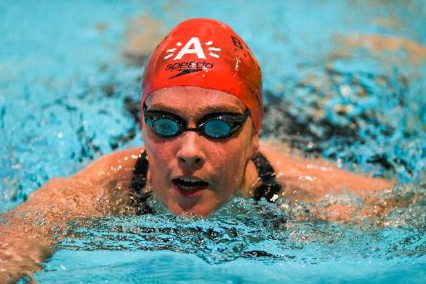 Kimberly Buys se qualifie pour les demies sur 100m papillon, Roos Vanotterdijk éliminée