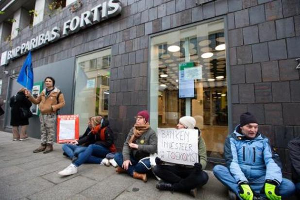 Klimaatactivisten van Extinction Rebellion voeren in Gent actie tegen grootbanken