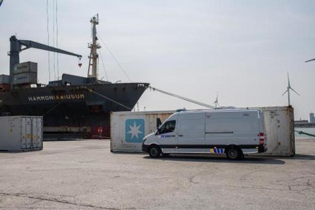 Antwerpse douanier aangehouden voor medewerking aan drugssmokkel