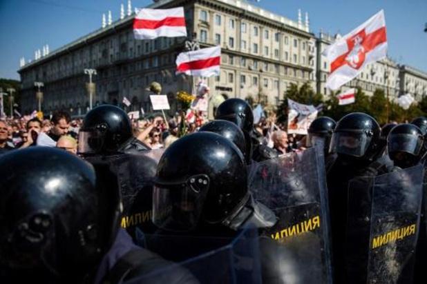 """Le Bélarus doit """"cesser de torturer les manifestants"""""""
