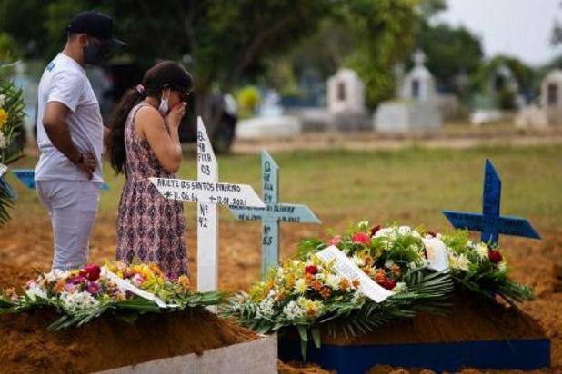 Brésil: débordé par le Covid-19, l'Amazonas décrète un couvre-feu