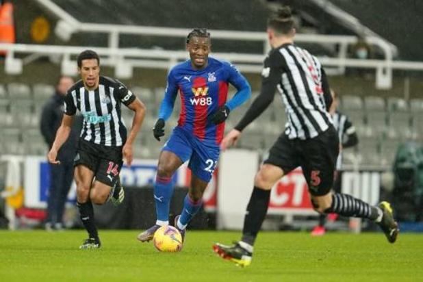 Belgen in het buitenland - Batshuayi en Benteke winnen met Crystal Palace in Newcastle, Manchester United wint 9-0