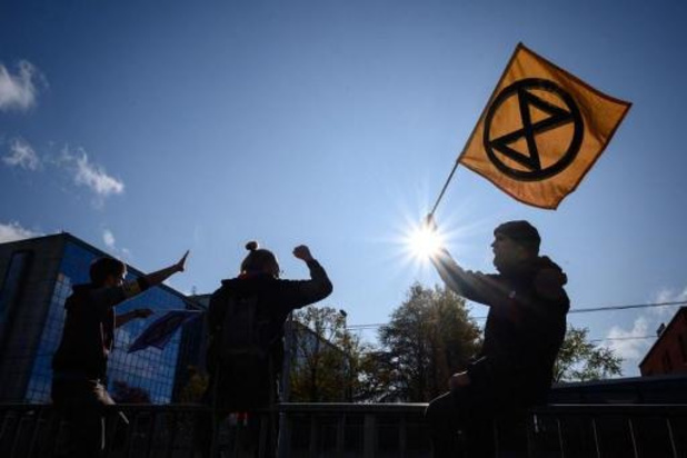 Le co-fondateur d'Extinction Rebellion minimise l'Holocauste