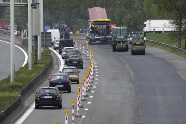 Ongeval E40 richting Brussel in Sint-Denijs-Westrem: rijbaan vrijgemaakt