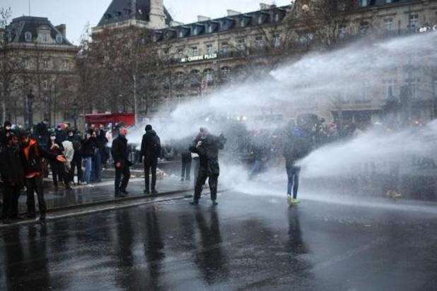 Duizenden Fransen protesteren tegen controversiële veiligheidswet