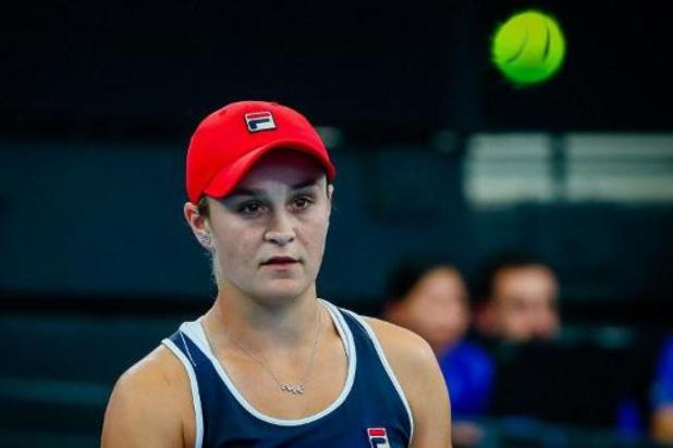 La N.1 mondiale Ashleigh Barty prend la porte d'entrée à Brisbane