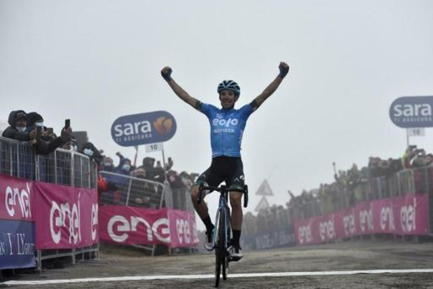 Lorenzo Fortunato pakt op op Monte Zoncolan eerste profzege, Egan Bernal steviger leider