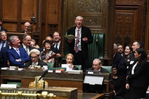 Britse parlementsleden hernemen de werkzaamheden