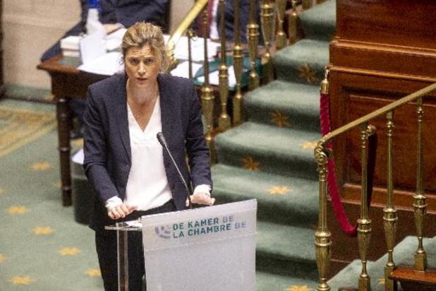 Annelies Verlinden salue l'adoption de la loi pandémie