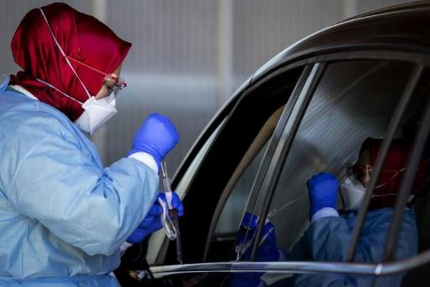 Daling nieuwe besmettingen vlakt af in Nederland, Britse variant wint terrein