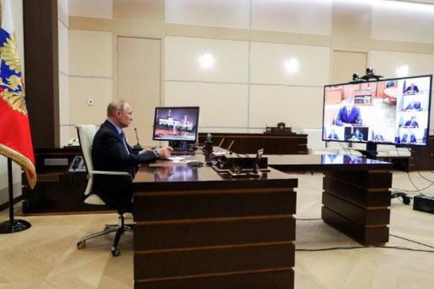 """Poetin opteert voor """"telewerk"""""""