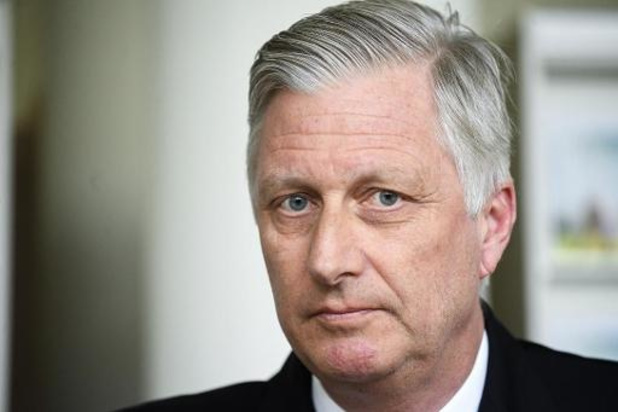 Koning Filip steekt zorgpersoneel hart onder de riem tijdens bezoek aan UZ Brussel