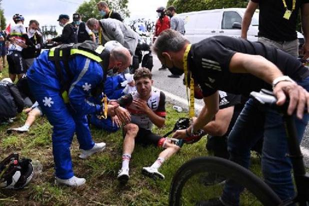 Tour de France - Marc Hirschi (UAE-Team Emirates) ontwricht schouder