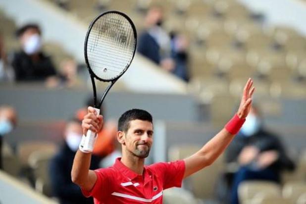 Novak Djokovic rejoint le troisième tour de Roland-Garros sans sourciller